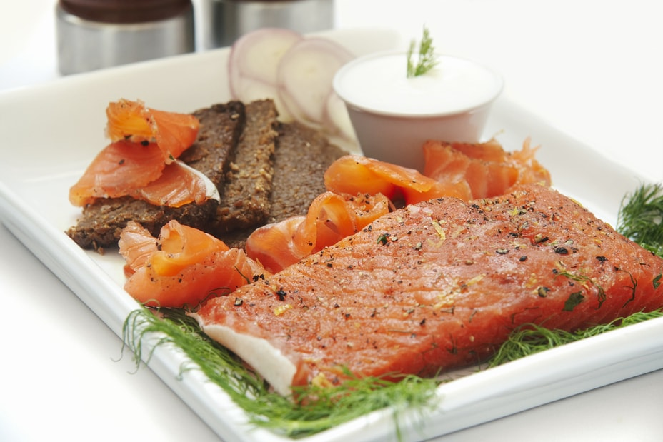 A plate of Iceladic gravlax