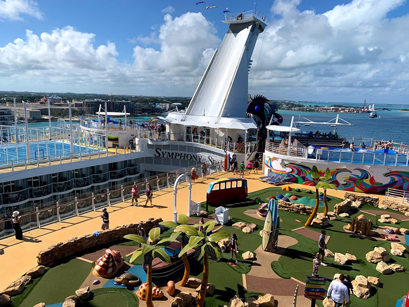 basketball and mini golf on SYmphony of the Seas