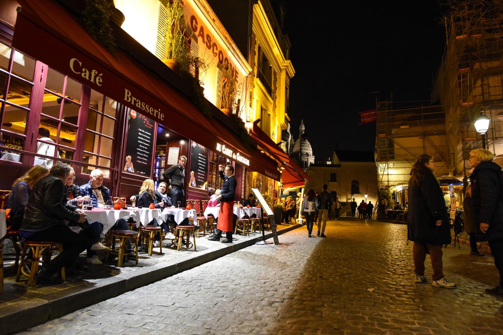 Cafe Brasserie in Paris