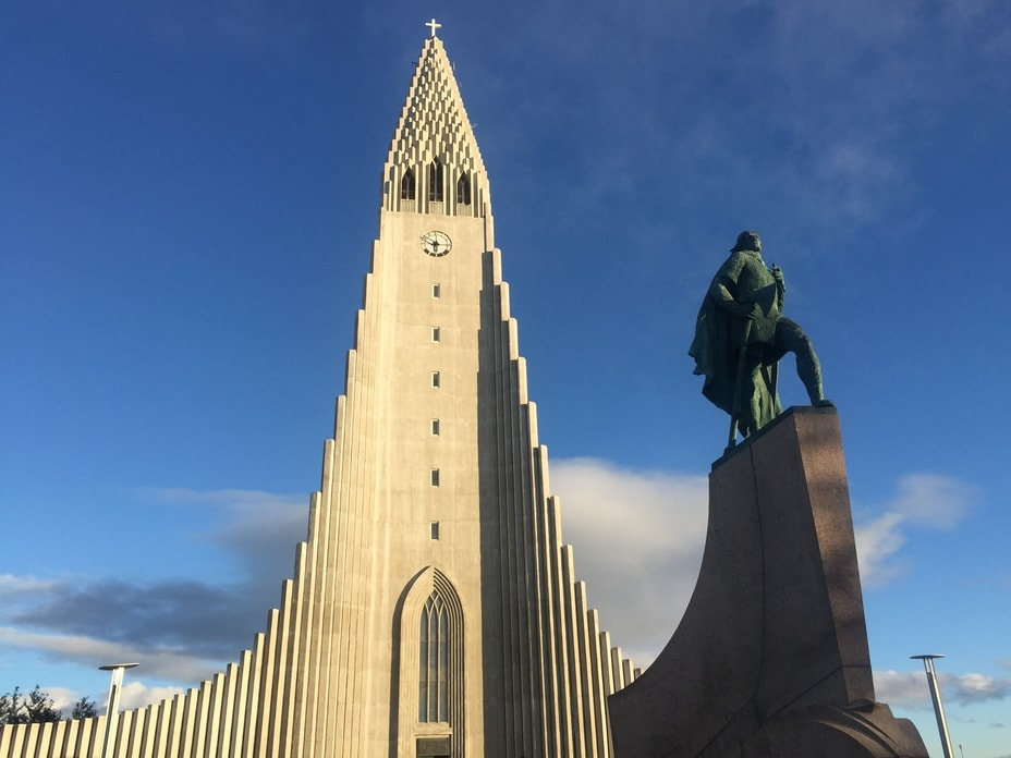 Leif Eriksson statur and Reykjavik church